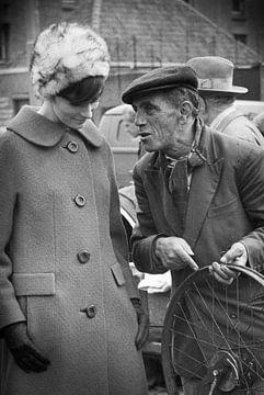 Fietswiel Waterlooplein 60-er jaren van PIX URBAN PHOTOGRAPHY