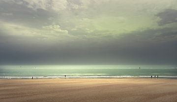 Sunday on the beach van Adrien Hendrickx