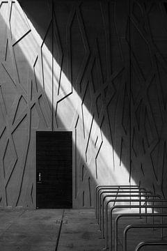 Faisceau lumineux dans les tons gris sur Raoul Suermondt
