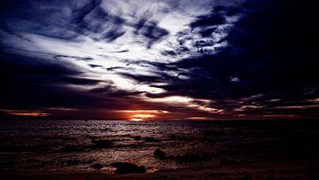 Am Strand von Bonaire ist der Sonnenuntergang wunderschön von Studio de Waay
