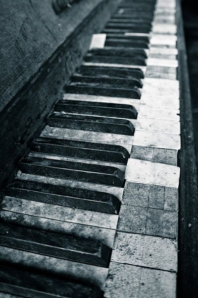 piano keys van Jo Beerens