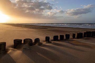 Schattenspiel am Strand von Ronenvief