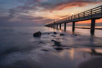 Sonnenaufgang an der Seebrücke, Kühlungsborn von CherriX_OutisdE