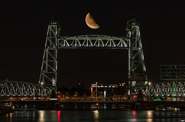 Pont ferroviaire De Hef à Rotterdam avec la demi-lune sur MS Fotografie | Marc van der Stelt