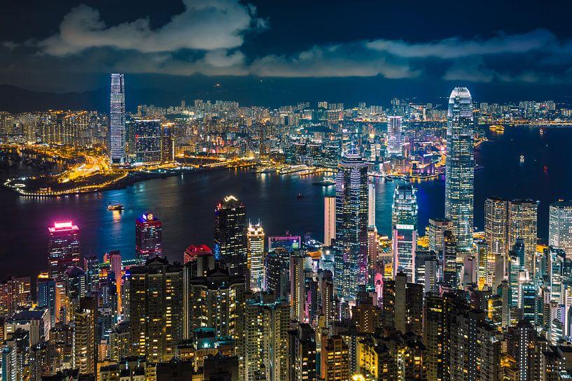 Hong Kong Skyline 10 von Tom Uhlenberg
