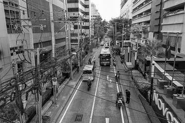 Straat in Bangkok in zwart-wit van Bart van Lier