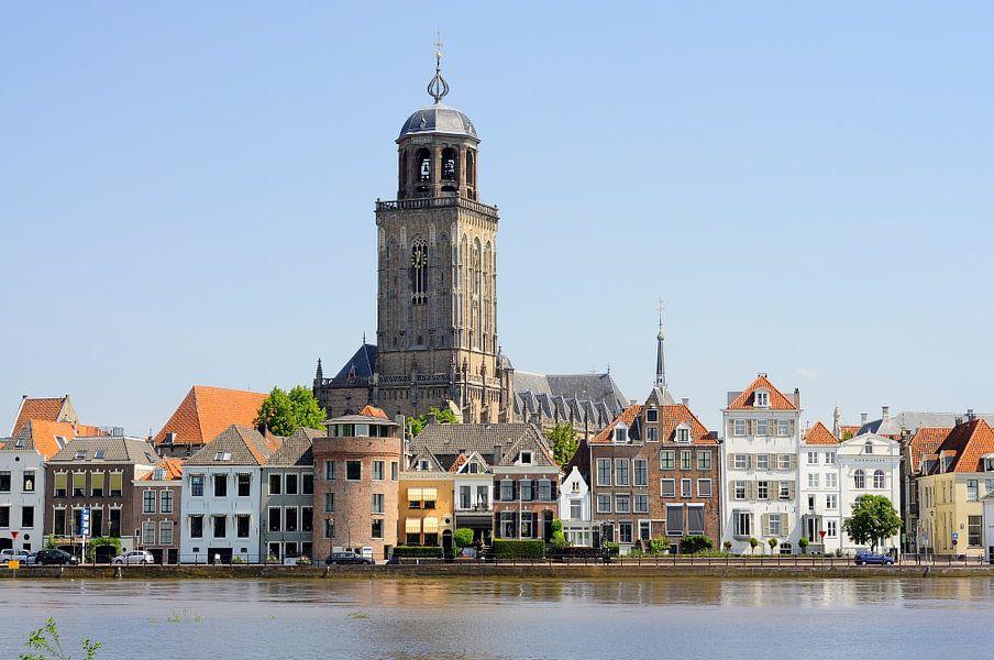 Deventer Lebuïnustoren bij hoogwater van Wiljo van Essen