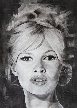 Brigitte Bardot in houtskool   Zwart wit fine art portret kunst van Milau Lesmana
