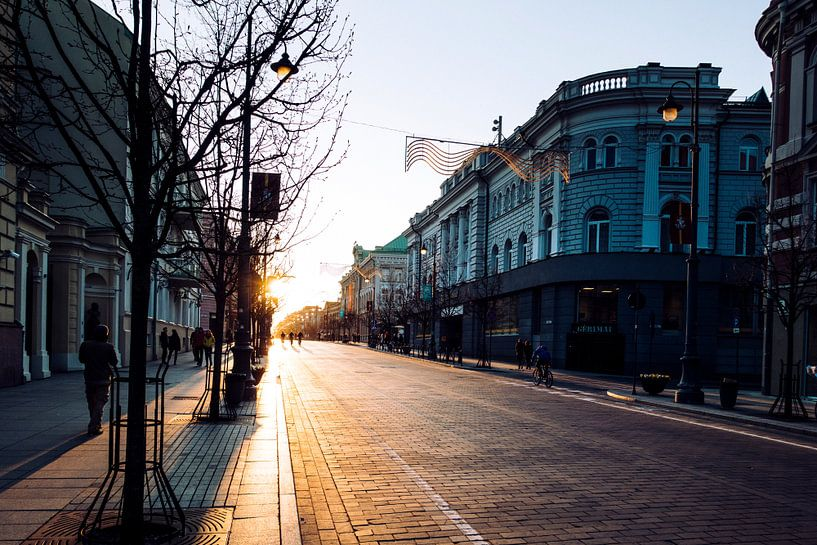 Straatleven in Vilnius van Van Renselaar Fotografie