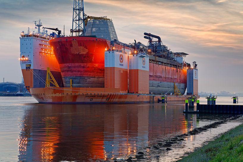 Dockwise Vanguard van Anton de Zeeuw