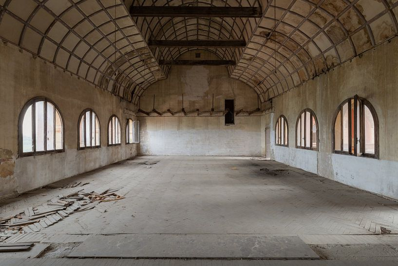 Verlassener Bankettsaal von Kristof Ven