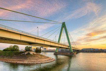 Severinsbrücke in Köln von Michael Valjak