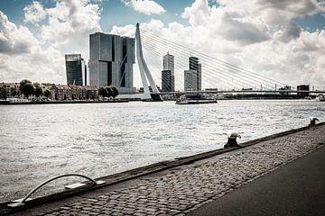Langs de Nieuwe Maas in Rotterdam van H Verdurmen