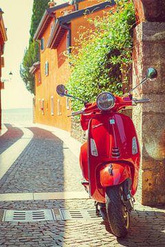 Vespa in een Italiaans straatje II
