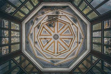 Symmetrische Decke von Maikel Brands