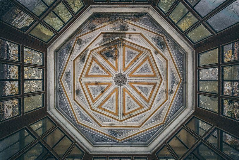 Symmetrisch Plafond van Maikel Brands