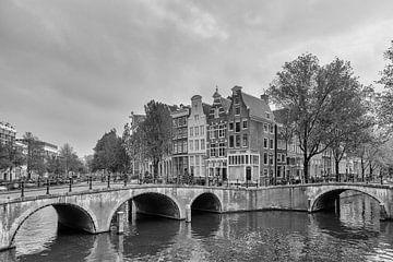 Bruggen over de Keizersgracht en Leidsegracht – Amsterdam van Tony Buijse