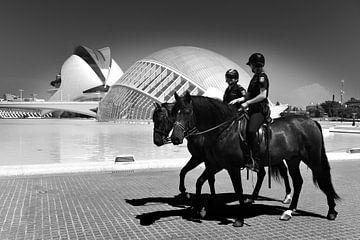 Urban / Street scene Valencia (schwarz-weiß) von Rob Blok