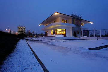 De achterzijde van Villa Jongerius aan de Kanaalweg in Utrecht von Donker Utrecht