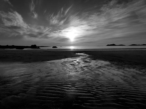 Zonsondergang in zwart wit