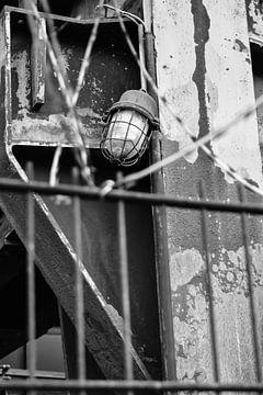 Lampe am Stahlwerk von Julian Röhr
