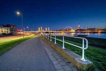 Blauwe uur en avond boven IJsselmuiden & Kampen van Fotografiecor .nl