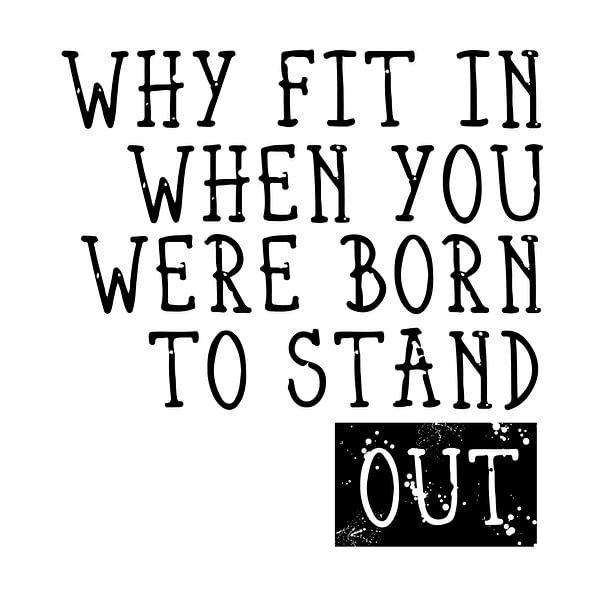 Born to Stand Out sur Melanie Viola