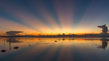 coucher de soleil avec Rayon de soleil sur Erik de Rijk