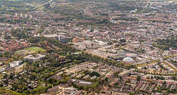 Luftaufnahme des Stadtzentrums der niederländischen Stadt von Breda von Ruud Morijn