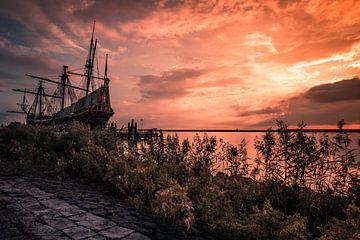 Batavia schip en zittende man in Lelystad