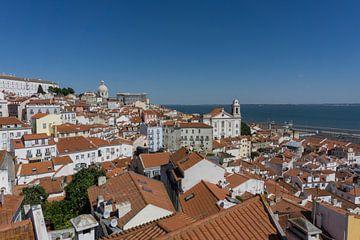 Miradouro das Portas Do Sol, Lissabon van Niels Maljaars