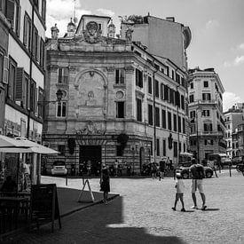 Een straat in Rome in zwart-wit, Italië, fotoprint van Manja Herrebrugh - Outdoor by Manja