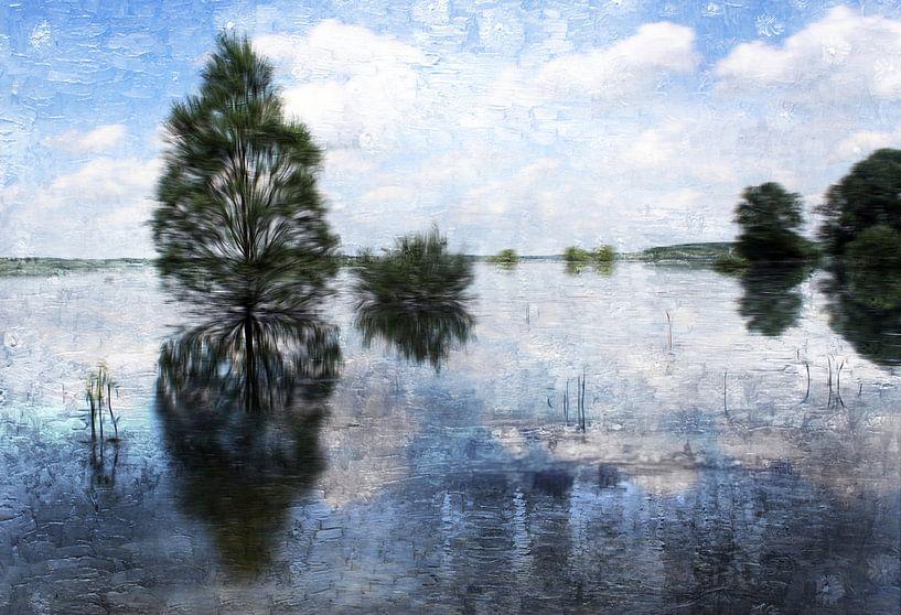 waving trees van Yvonne Blokland