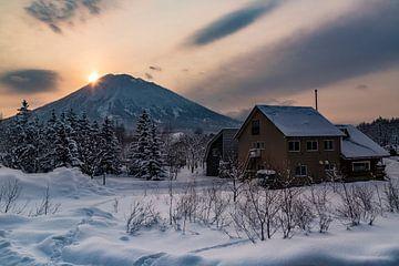Zonsondergang in het land van de rijzende zon, Japan. van
