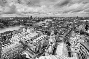 Uitzicht vanaf St. Paul's Cathedral op Londen van