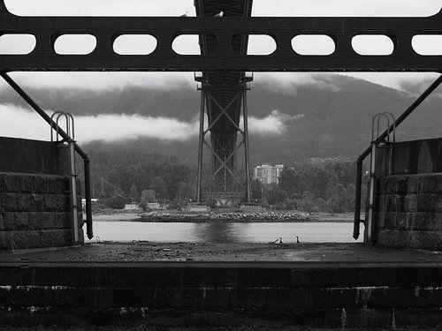Lions Gate Bridge - Vancouver BC van Justin van Schaick