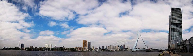 Wolken van Rotterdam van Ronald Molegraaf