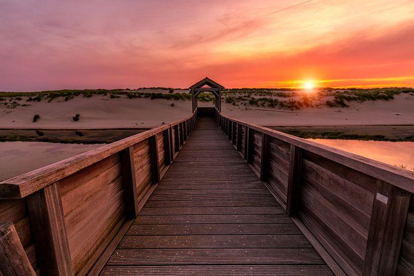 Sunset in Petten van Costas Ganasos