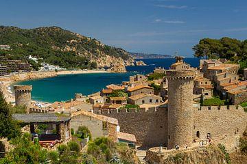 Blick über die Altstadt und Bucht von Tossa de Mar von Lars Fortuin