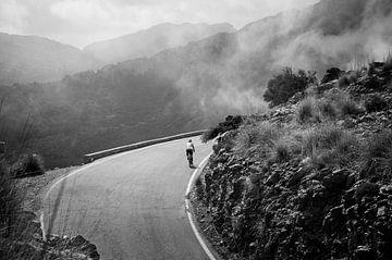 Lonely biker van Arjen van de Belt
