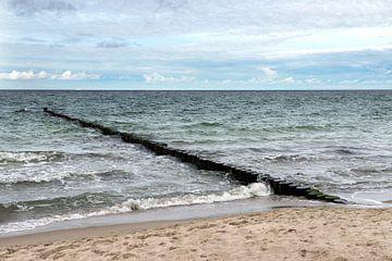 golfbreker in de oostzee van Hanneke Luit