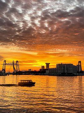 Sonnenuntergang in Rotterdam (2) von Klaus Lucas