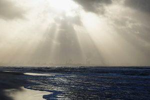 Storm op het strand van Pauline Aalfs