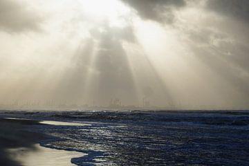 Storm op het strand von Pauline Aalfs