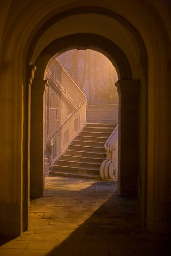 Romeins theehuis Echternach 's avonds en in de mist van Anko Zwerver
