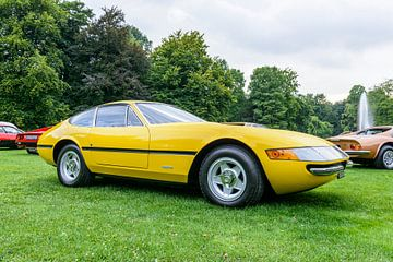 Ferrari 365 GTB / 4 Daytona italienne des années 1970 jaune vif sur Sjoerd van der Wal