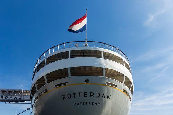 Achtersteven van SS Rotterdam op een zonnige dag