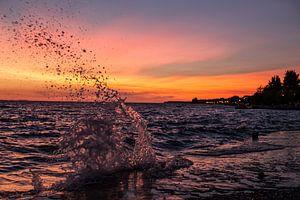 Kroatische kust bij zonsondergang van Dennis Eckert