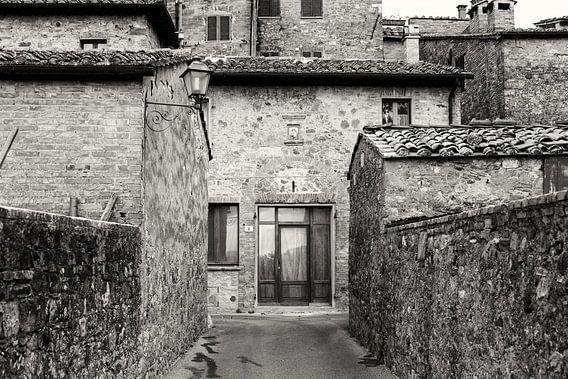 Toskanische Architektur in Schwarz und Weiß