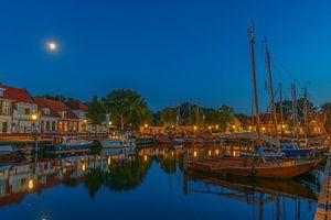 Elburg haven in de avond 2